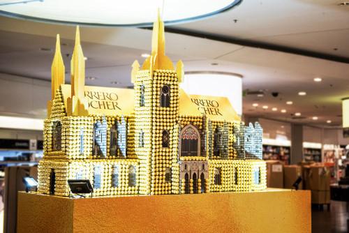 Svatovítský chrám z pralinek Ferrero Rocher