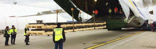 Železniční výhybky a pražce putovaly do Indonésie antonovem