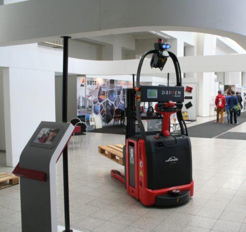 Na MSV byl představen robotický vozík Linde