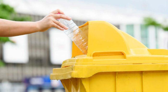 Oxodegradabilní plasty dostaly od roku 2020 stopku!