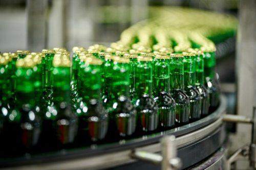 AB InBev vyvinul ultra lehkou pivní lahev